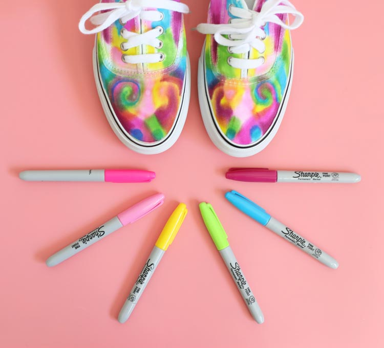Comment customiser ses baskets : 10 super idées DIY Blog